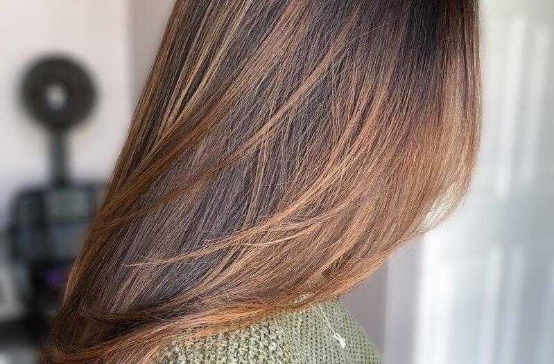 صبغة شعر لون كراميل لصيف 2021