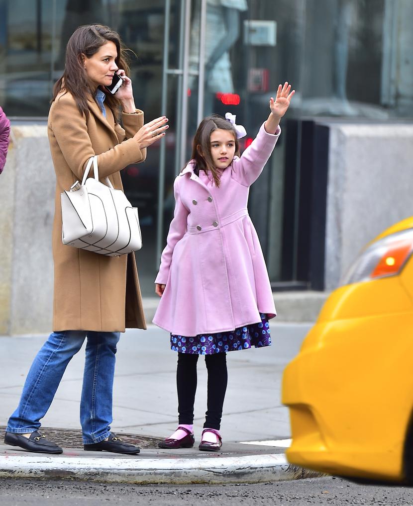 بالصور:نجمات ينسّقن أزياءهن مع بناتهن