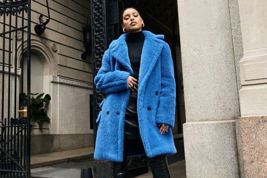 ألوان هذا المعطف الحيوية ستجعلك تشترينه على الفور