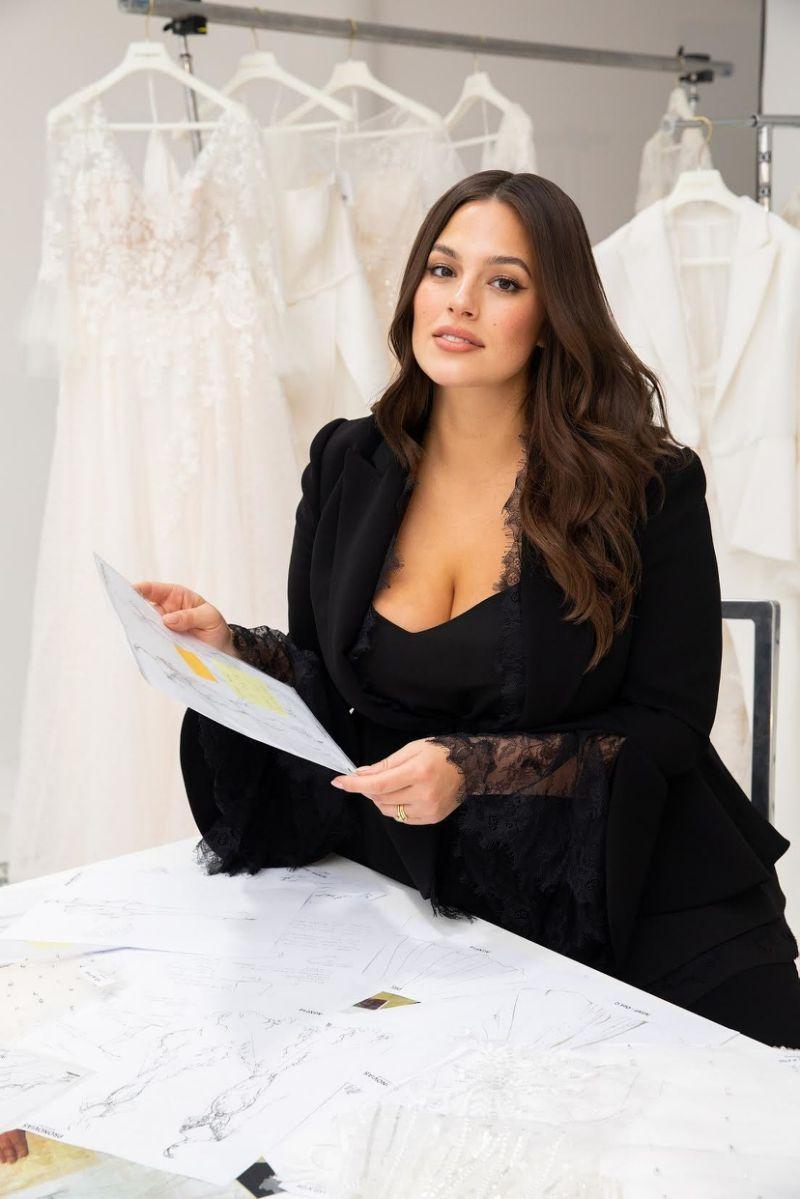 شاهدي بالصور فساتين زفاف تراعي جميع المقاسات بتوقيع آشلي غراهام2