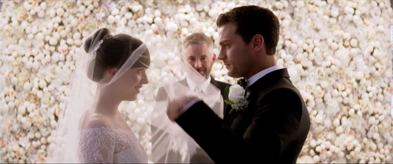 أروع فساتين زفاف شاهدناها في الأفلام ومازالت في أذهاننا