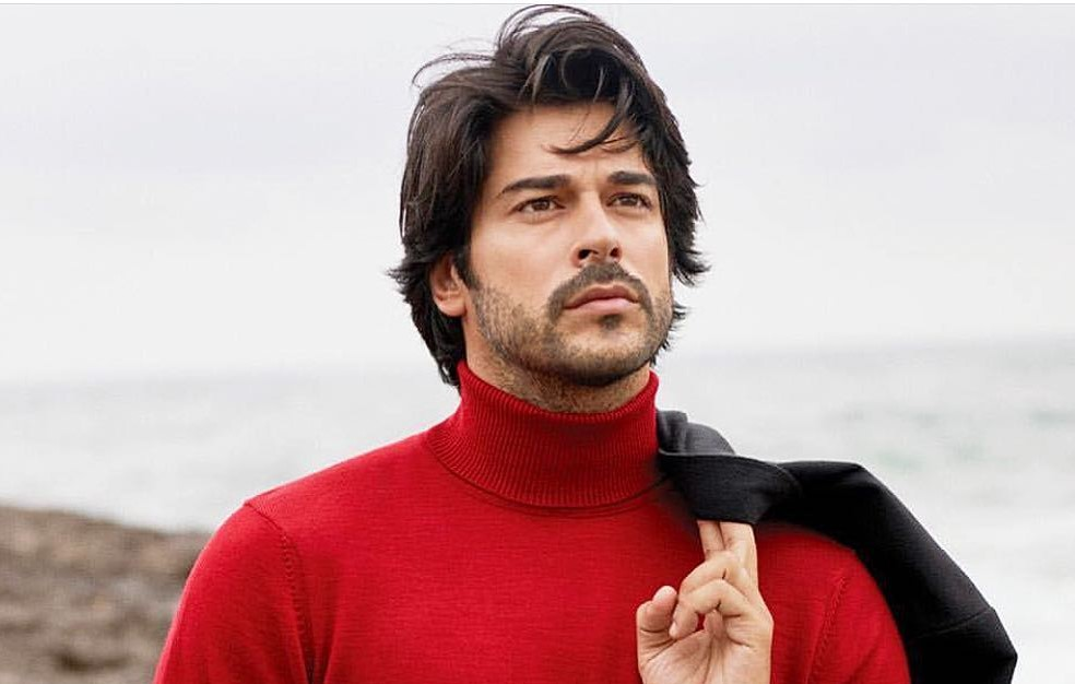 الممثل التركي بوراك أوزجيفيت يزور بيروت للمرة الأولى