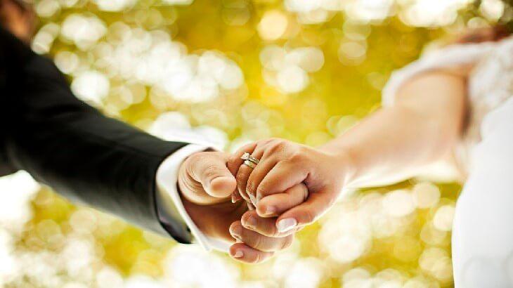 تفسير حلم عريس متقدملي وانا متزوجة