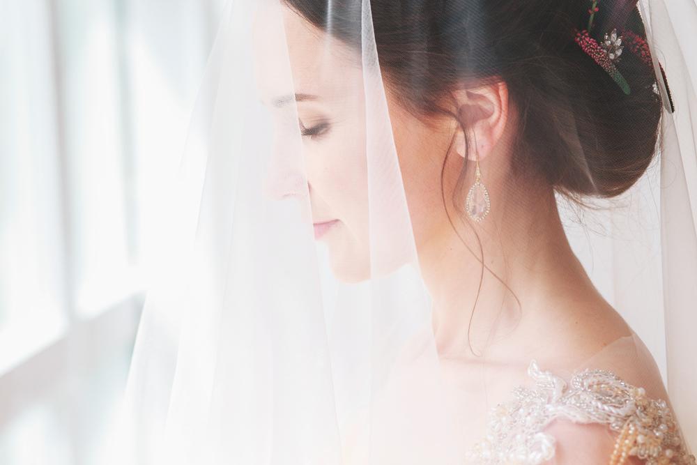 3 عادات غريبة لم تتم في الزفاف؟