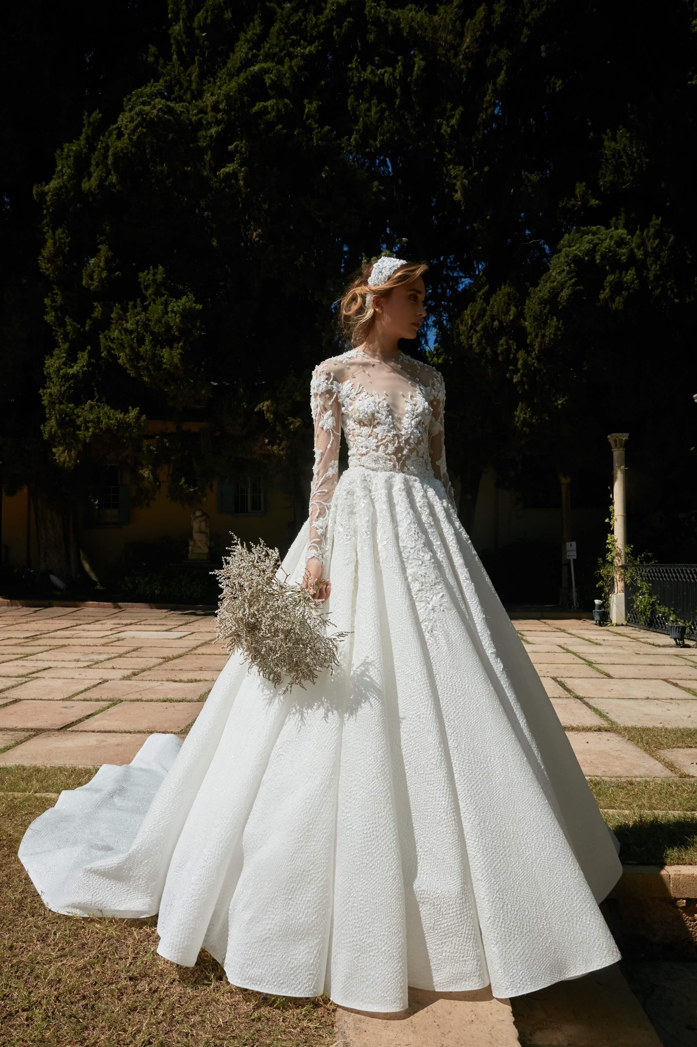 مجموعة  la mariée  للمصمم طوني ورد تنبض أنوثة لخريف 2020 1