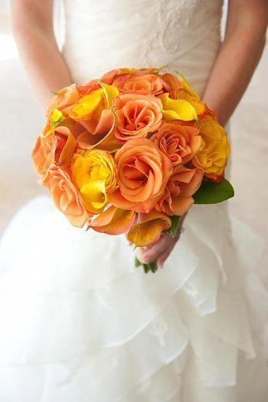 للعروس الجريئة: مسكات ورود باللون الأصفر