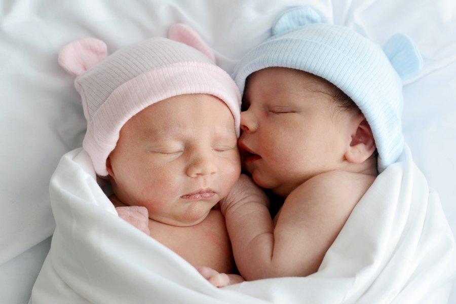 هل يوجد فرق بين اعراض الولادة بالولد والبنت؟