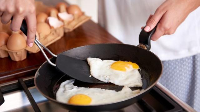 هل البيض يهيج القولون ؟