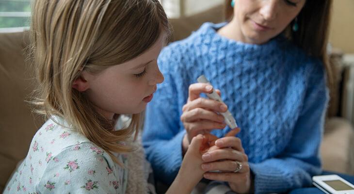 أسباب ارتفاع السكر المفاجئ عند الأطفال