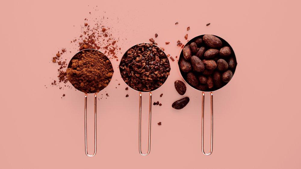 فوائد تناول الكاكاو الخام على الفطور كثيرة