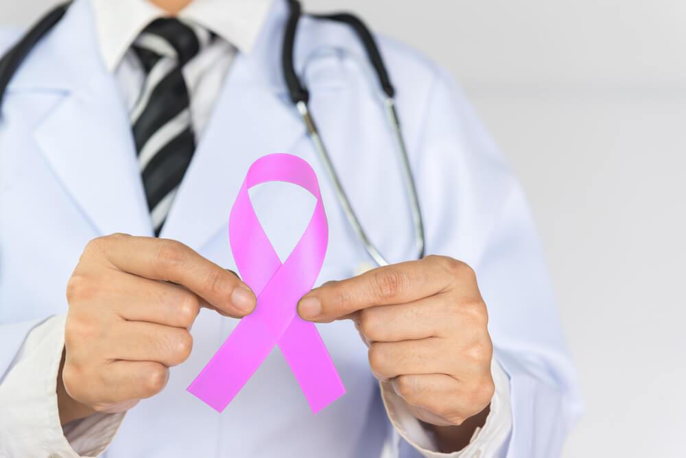 ماذا يحصل بعد الشفاء من سرطان الثدي؟ سألنا الدكتور جاد واكيم