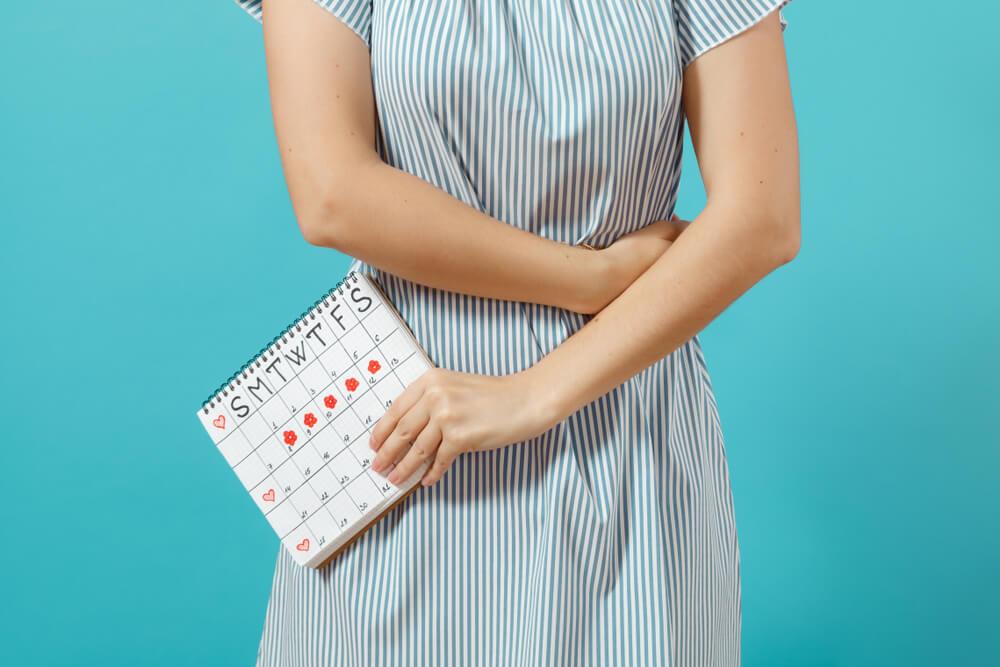 5 أسباب تفسّر استمرار دورتك الشهرية لفترة طويلة
