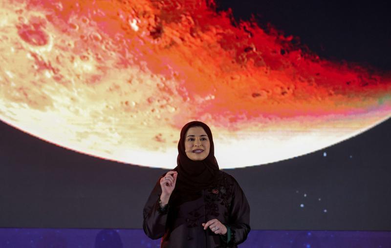 فريق عمل إستثنائي من ضمنه عالمات إماراتيات أوصلن مسبار الأمل إلى المريخ