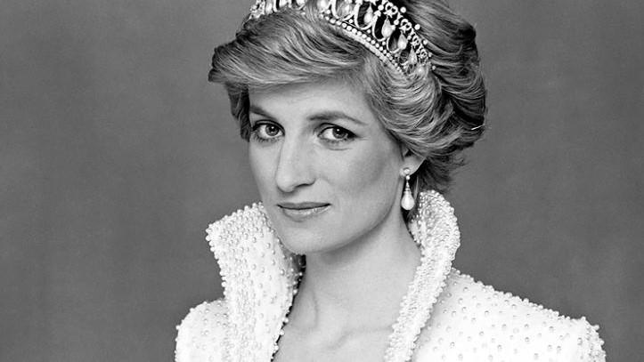 مرّات خرقت فيها الأميرة ديانا البروتوكولات الملكية