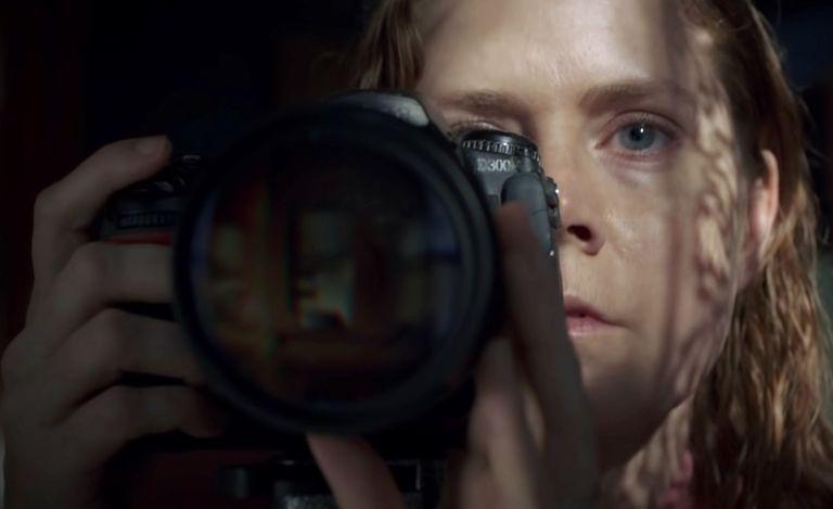 فيلم Woman in the Window  سيبقيكِ مستيقظة طوال الليل
