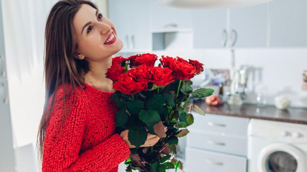 اشهر علامات الحب عند النساء في علم النفس