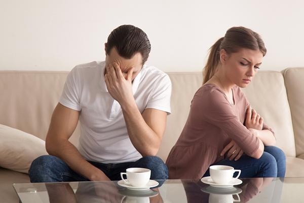عندما تصبح العلاقة العاطفية مملة لا تقلقا فطرق إصلاحها موجودة