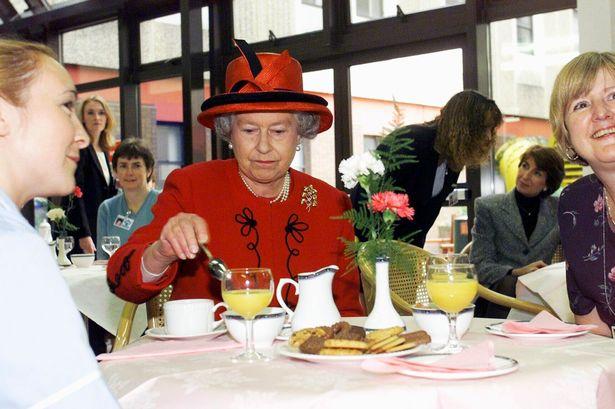 عادات طعام غريبة تتبعها العائلة المالكة البريطانية والشيف الخاص يكشفها