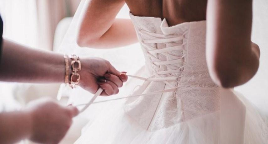 تفسير لبس فستان الزفاف في المنام للمتزوجة