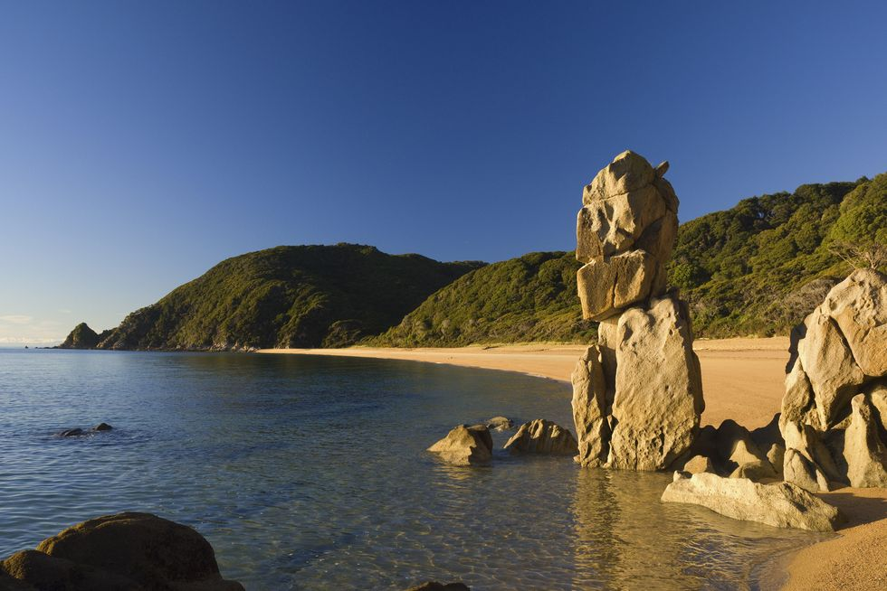 ANAPAI BEACH, ABEL TASMAN NATIONAL PARK في نيوزيلندا