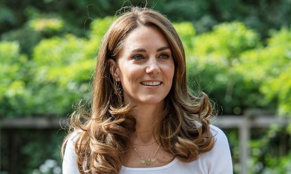 بالصور والفيديو   كيت ميدلتون تكسر قواعد العائلة الملكية في إطلالتها الأخيرة!