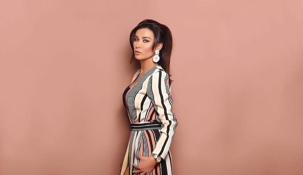 بالفيديو نادين الراسي تُعلن تفاصيل حفل زفافها وتوضح أسباب ابتعادها عن الساحة الفنية