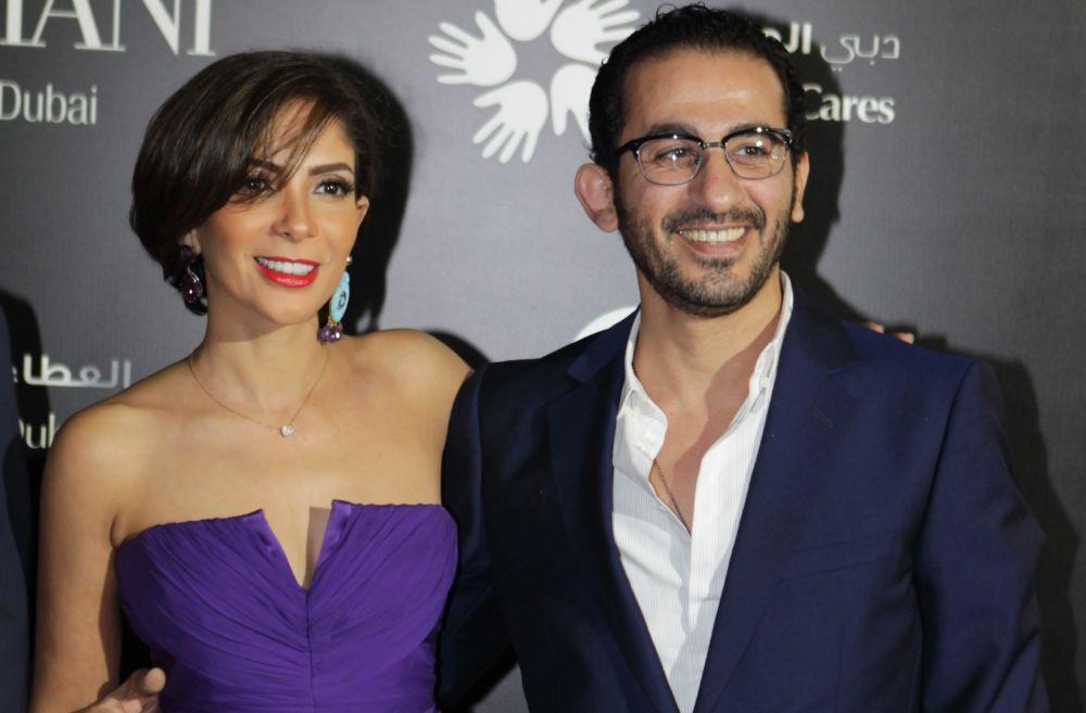 بالفيديو  | أحمد حلمي يروي قصة حبه لزوجته منى ذكي