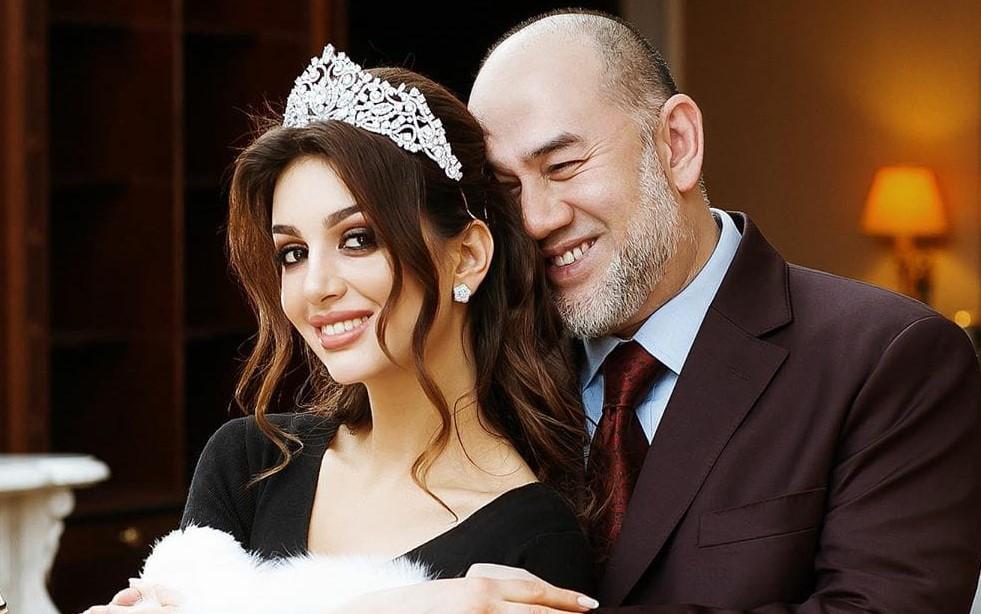 لأول مرة على انستقرام.. صور من حفل زفاف ملك ماليزيا السابق وزوجته ملكة جمال موسكو