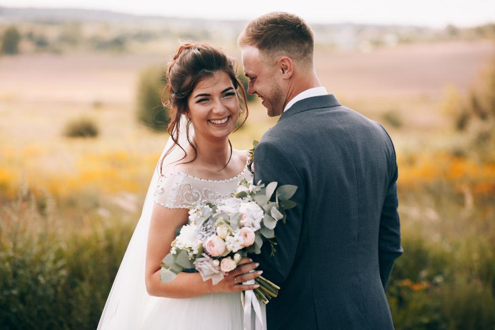 منظم الزفاف يقوم بأمور من دون أن تعلمي فما هي!