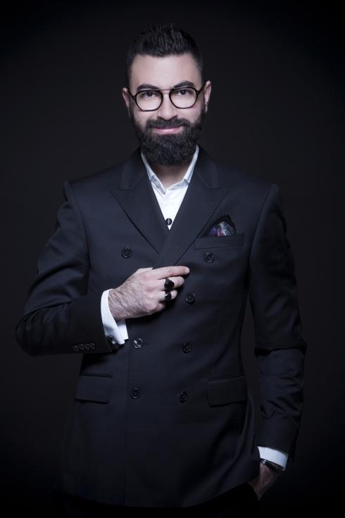 في مقابلة حصرية مع يومياتي: المصمم نجا سعادة يفصح عن سر تصاميمه الراقية!